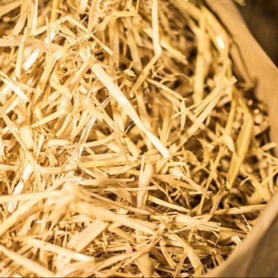 Stroh Kuschelstroh feines stroh nest nestbau gerste stroh weitfeldhof kufen shop bestellen